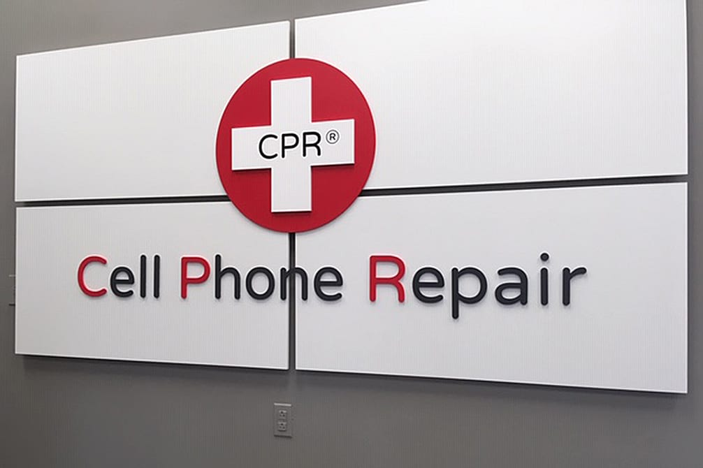 CELL PHONE REPAIR SIGNS 5 YEAR LEASE IN CENTRAL PARK