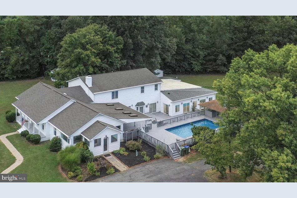 Hickory Ridge Manor